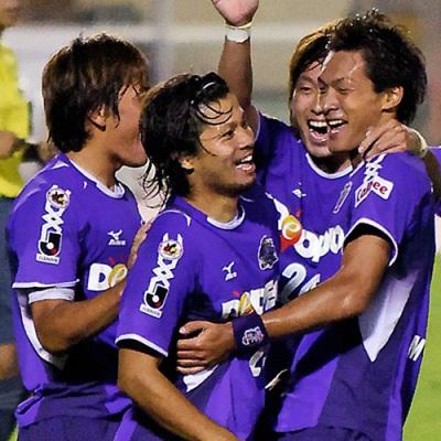 AOYAMA, TAKAYANAGI, MORIWAKI and MAKINO celebrate Sanfrecce's goal - stefanole