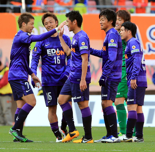 Sanfrecce's stars at the Big Swan stadium. Photo from: http://www.chugoku-np.co.jp/News/Tn201303100037.html